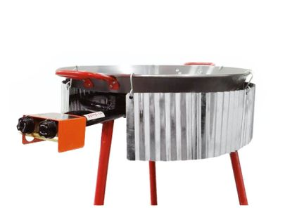 Corrugated stainless steel wind shield suitable for pans up to 90cm diameter