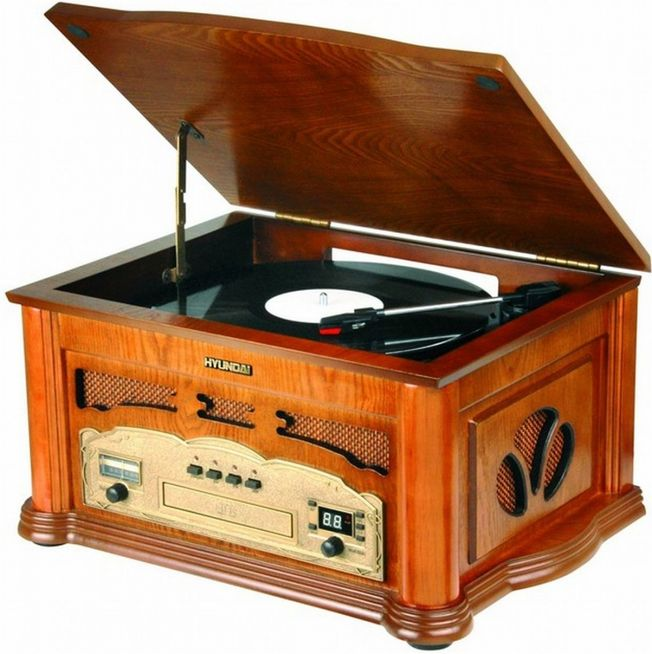 Hyundai Retro Radio and Turntable RTC315